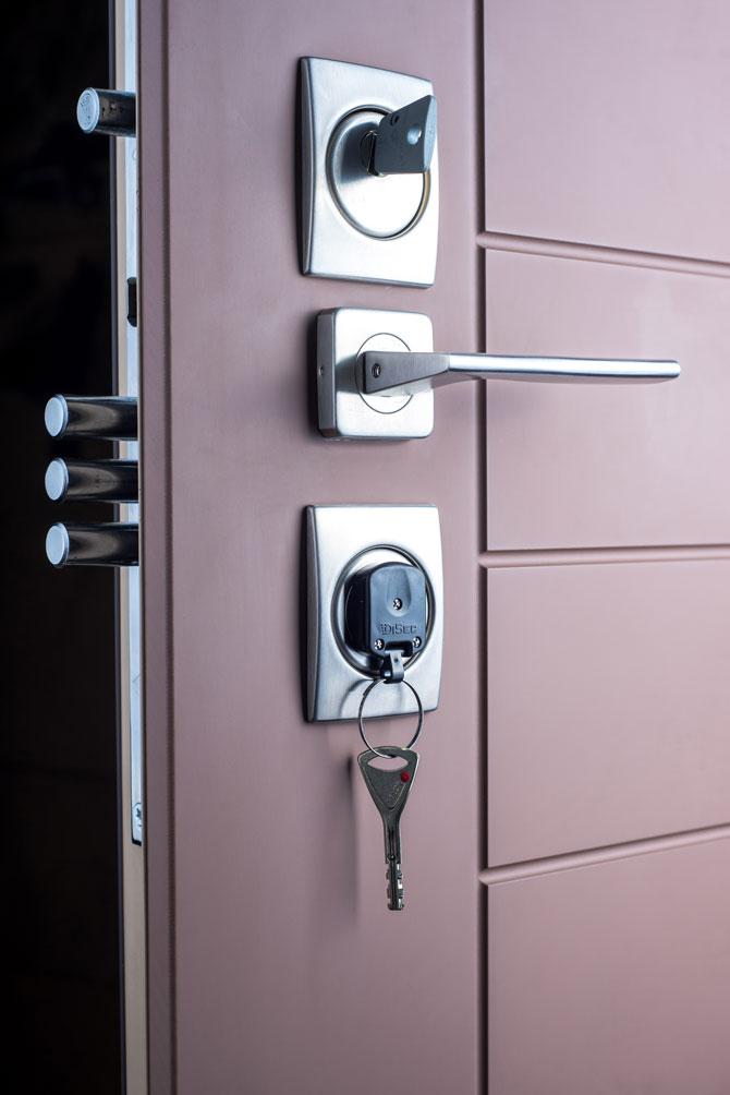 Бронированная дверь заказать в Полтаве